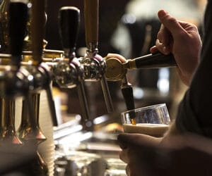 Bartender Pouring Beer - Online TABC Training