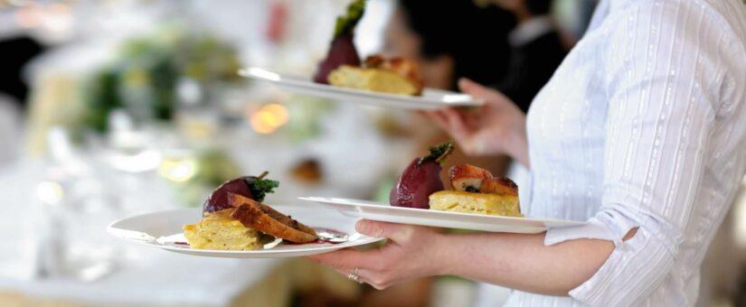 Can A Food Handler Taste Food to Adjust Seasoning?